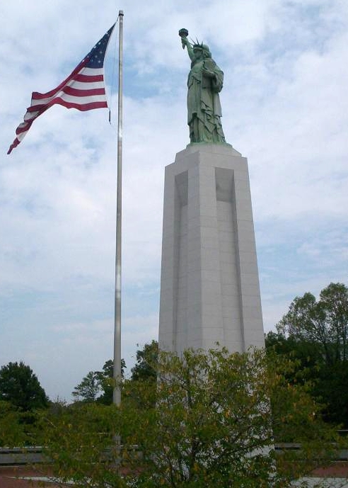 Liberty Enlightening the Parkway replica in Birmingham Alabama