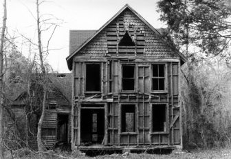 abandoned-house-in-battelle-alabama