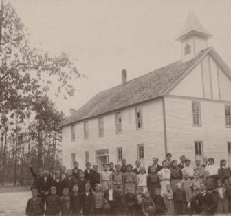 Students in front of the Sand Mountain Institute in Dutton, Alabama 1907